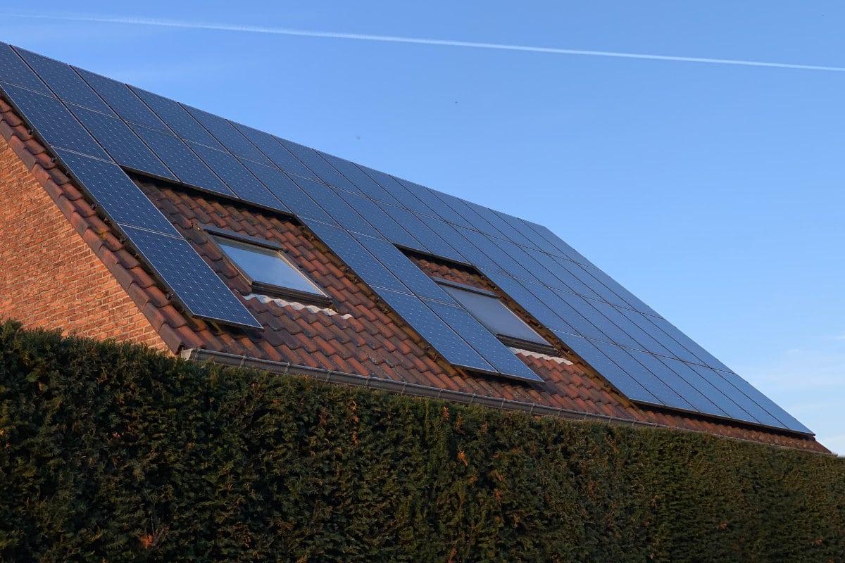 Combien De Wc Dans Une Maison combien de panneaux solaires pour une maison ? [guide de