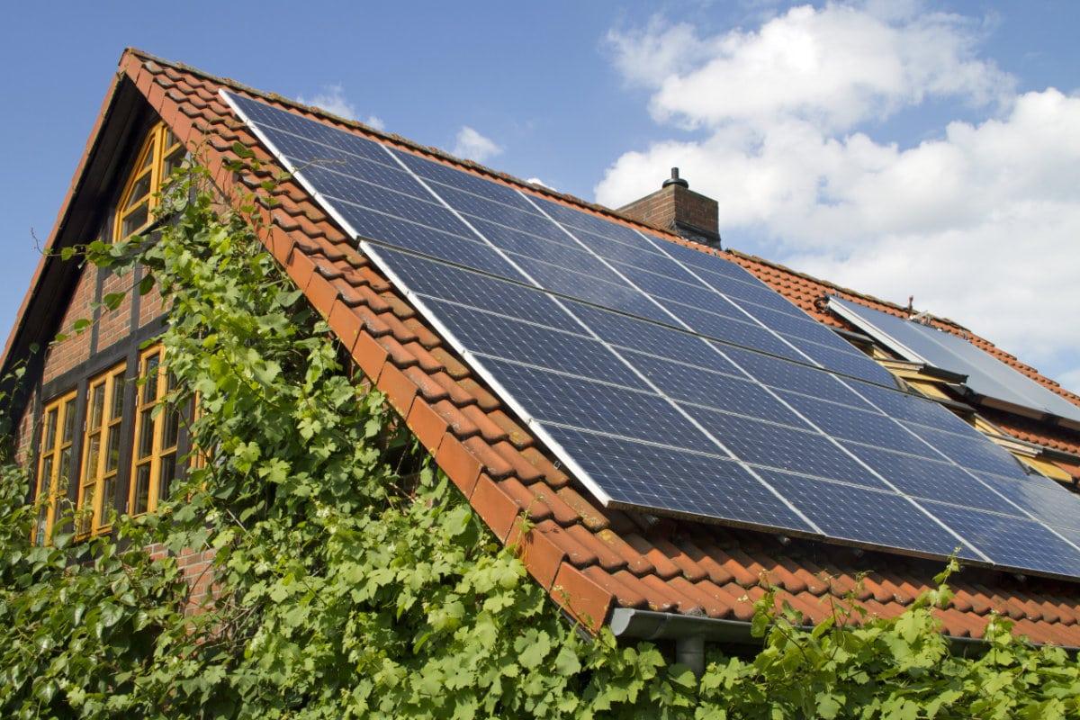 Installation panneau solaire : Infos et prix indicatifs